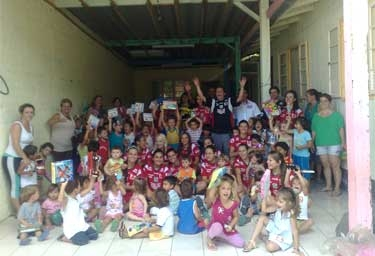 Futsal Feminino Visita Crianças
